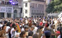 Crowd in Rossio for an anti-racism event.