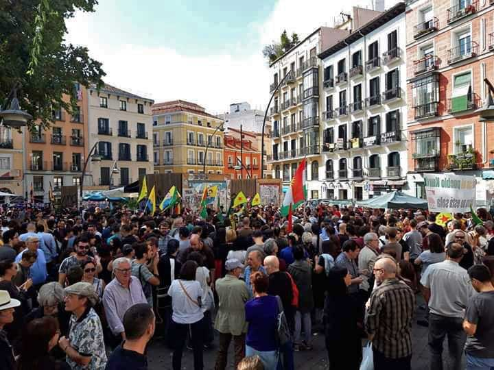 This image has an empty alt attribute; its file name is 2019-10-13_rojava_madrid2.jpg
